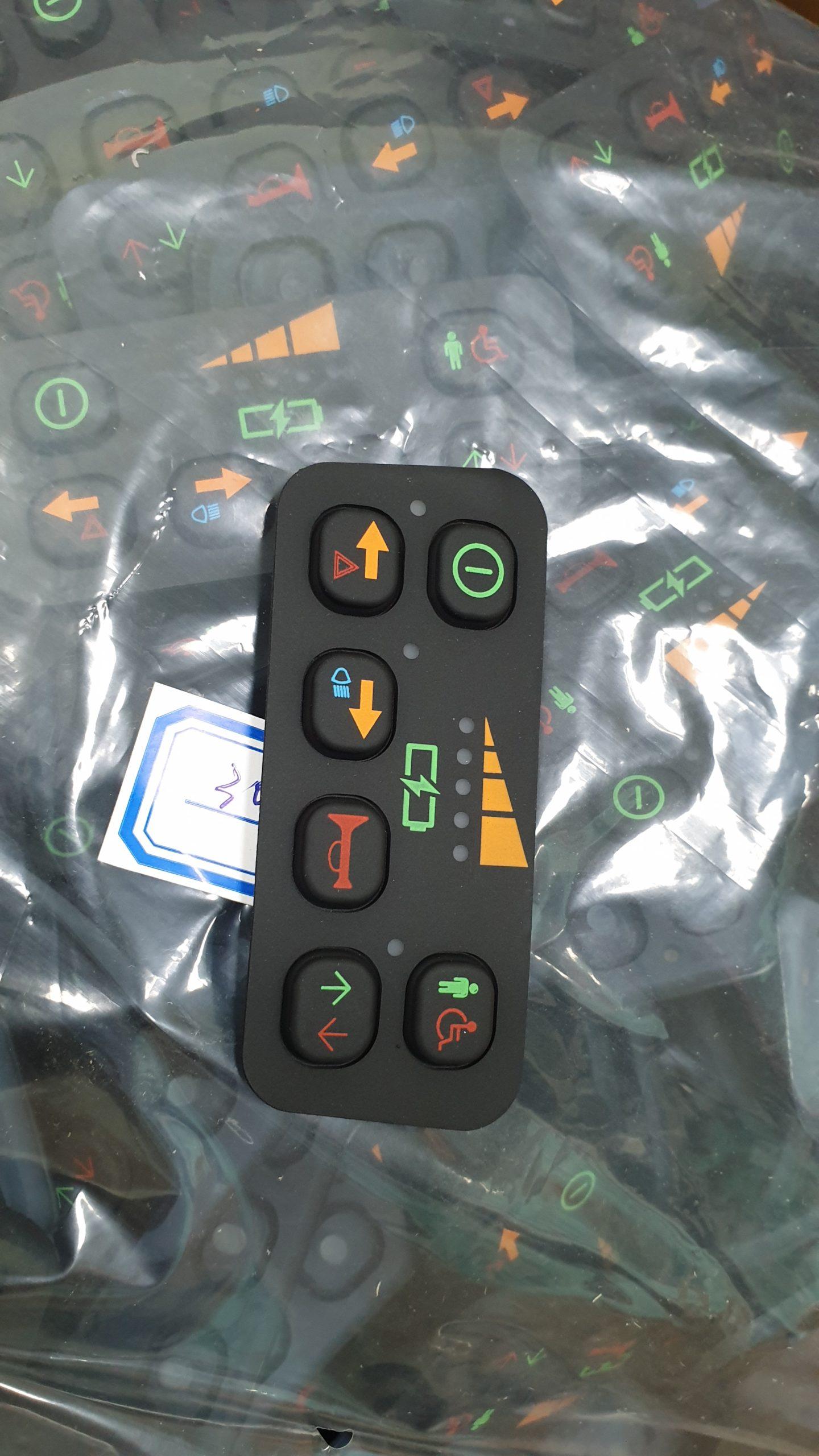 Productie van een rubber keypad met zeefdruk