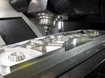 aluminium frezen doen we op onze CNC freesmachines